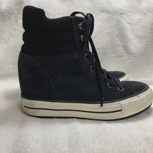 Converse Woman's High Tops Size 8